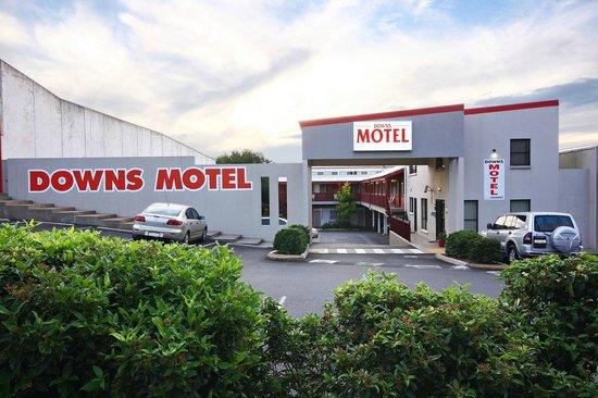 โรงแรมดาวน์