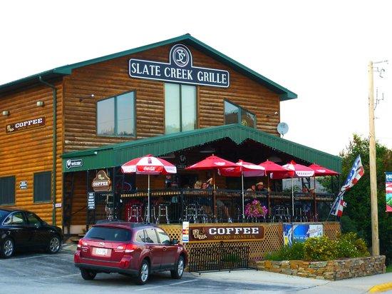 Slate Creek Grille : vista dalla strada principale