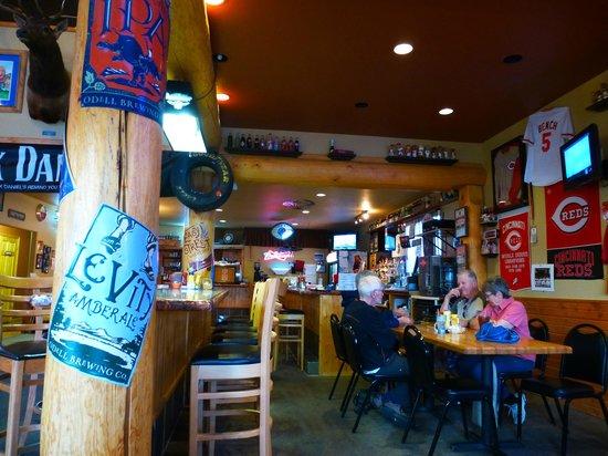 Slate Creek Grille : interno