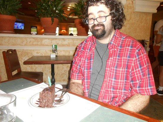 "La Carreta Restaurant: Staff even sang ""happy birthday""!!!"