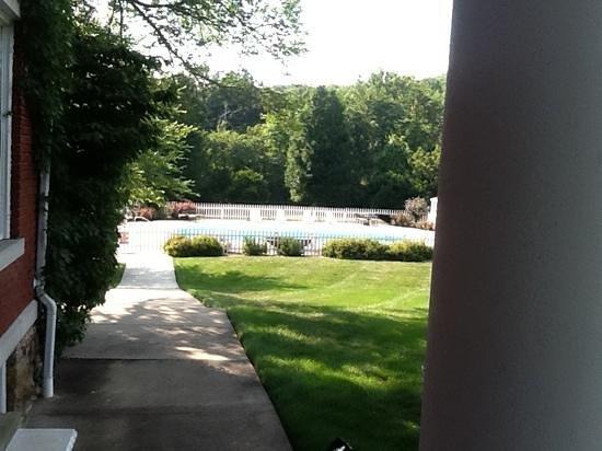 Inn on Crescent Lake: pool