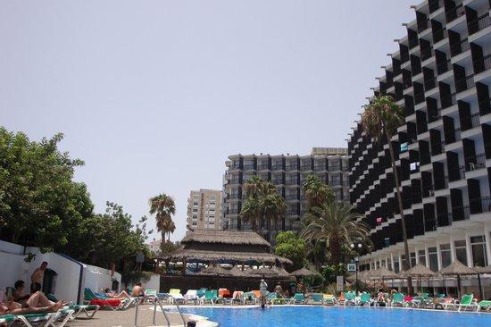Beverly Park Hotel: Piscina