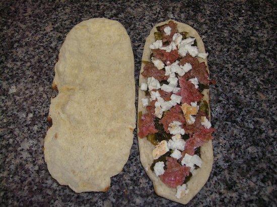 Donna Rosa pizzeria cucina carni alla griglia panini: Panuozzo