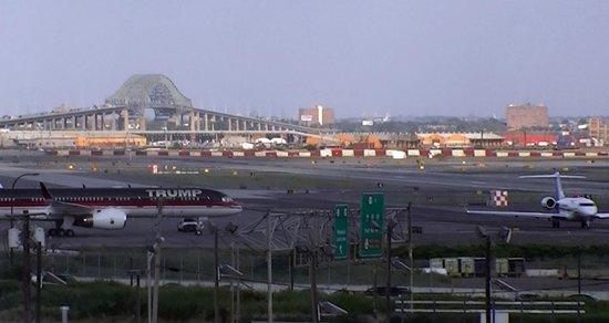 Best Western Plus Newark Airport West: View from Newark International Airport