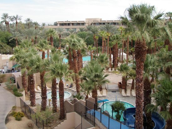 Hyatt Regency Indian Wells Resort & Spa: Pool Complex View