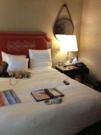The Fairmont Dallas: tiny bedroom