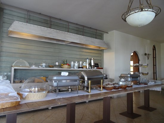 Porto Naxos Hotel : Breakfast bar