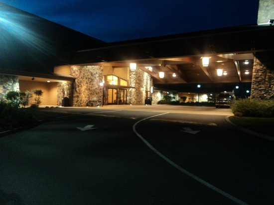 Three Rivers Casino Resort: Main entrance of the motel