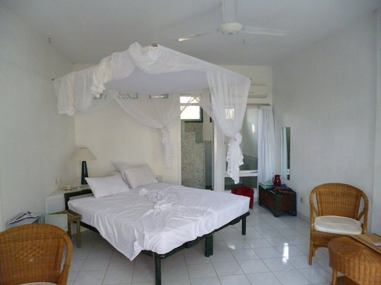 Bajo Komodo Eco Lodge: nice, large rooms....