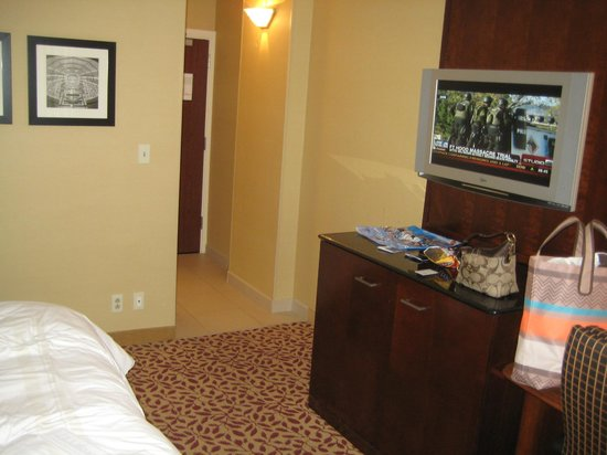 Cleveland Marriott Downtown at Key Center: A typical room