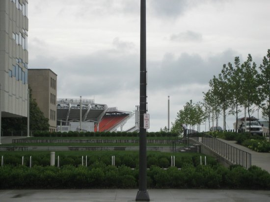 Cleveland Marriott Downtown at Key Center : View of the Browns stadium from the entrance
