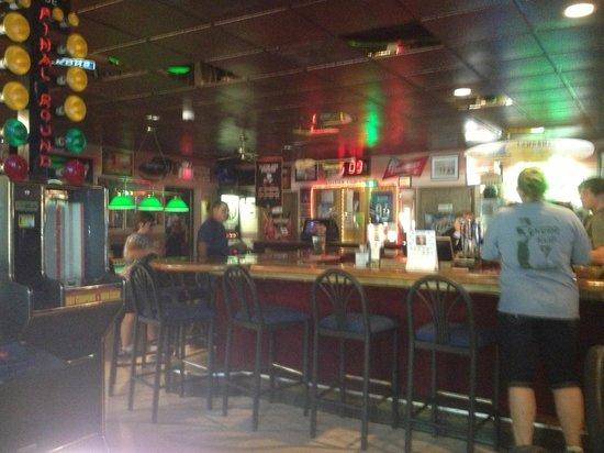 Kermit's Bar Pizza Pub and Grill: getlstd_property_photo