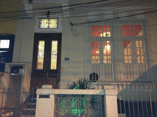 Discovery Hostel: Front door
