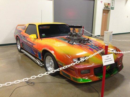 Tupelo Automobile Museum: Camarovett