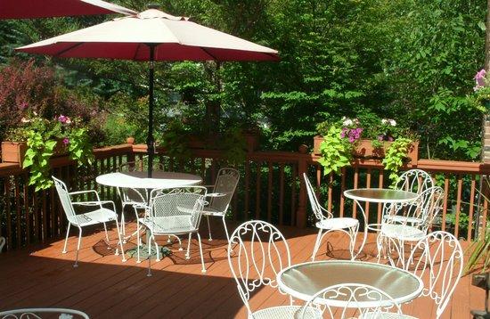 Berkshire Hills Country Inn : Breakfast veranda