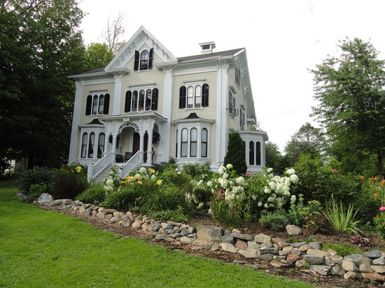 Blair House Heritage Breakfast Inn: Beautiful Victorian B & B!