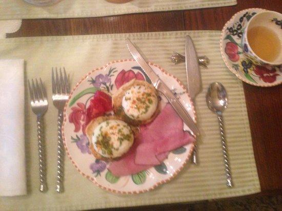 McVicar Manor Bed and Breakfast: Breakfast