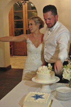 Hotel St. Francis: Cutting our cake at Table de los Santos