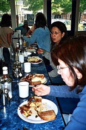 Tiburon Diner: Sunday morning