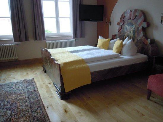 Hotel Hirsch: Quad room