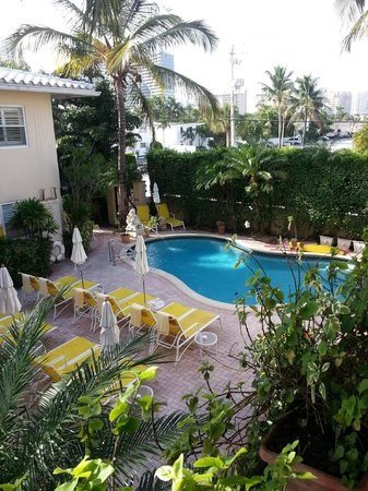 La Casa Hotel : Pool Area
