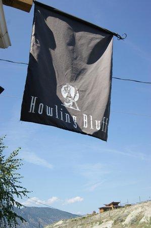 Howling Bluff Estate Winery : Howling Bluff