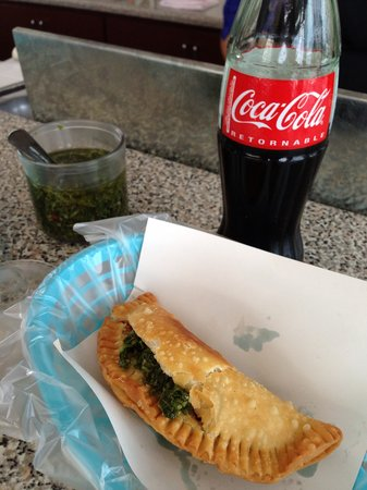 El Gaucho Argentino: Chicken empanada