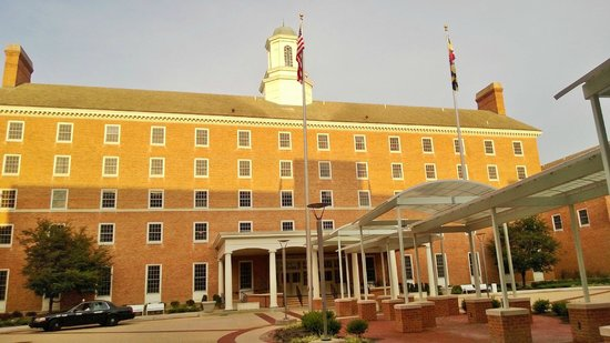 College Park Marriott Hotel & Conference Center : The hotel main building...