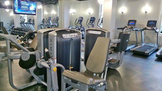 College Park Marriott Hotel & Conference Center: The gym...