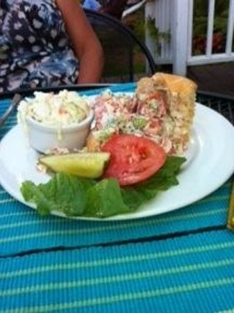 Harbor Fish Market and Grille: Lobster roll