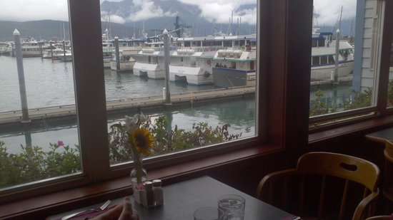 Ray's Waterfront: Viee