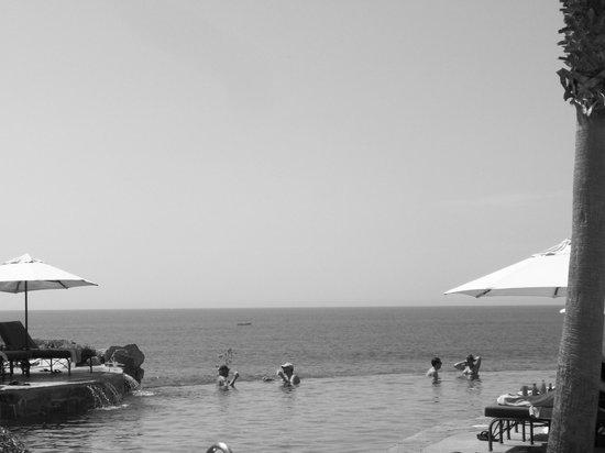 Hacienda del Mar Los Cabos: One of 2 infinity pools