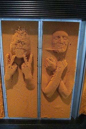 Lawrence Hall of Science : Pin wall fun