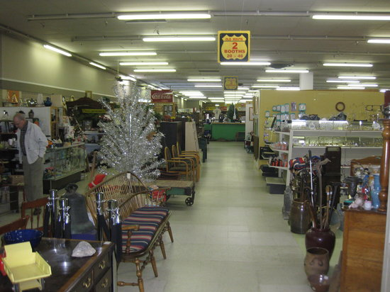 ‪Granddaddy's Antique Mall‬