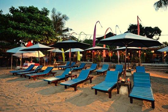Diwangkara Beach Hotel & Resort : Beach