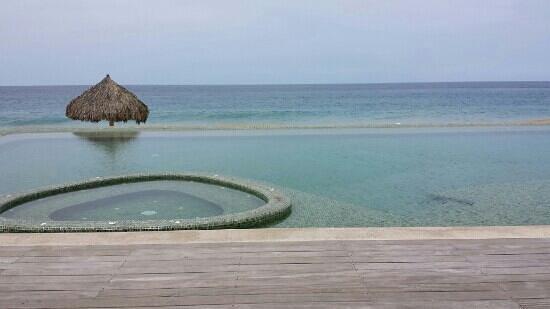 Hotelito Desconocido: Pacífico infinito...