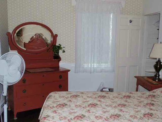 The Wagner at Duck Creek: bedroom