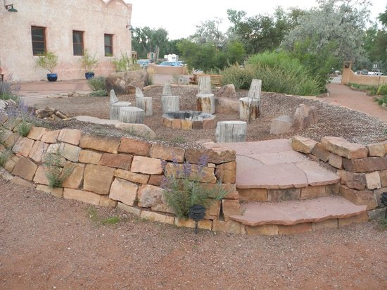 Ojo Caliente Mineral Springs Resort and Spa: The Litha Spring was not available but this looked like a fun camp fire place.