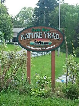 ‪Charlie Major Nature Trail‬