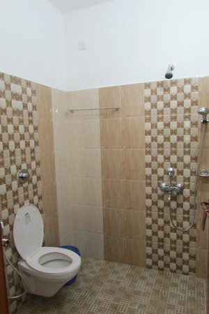 Little Flower Homestay : Nice new bathroom