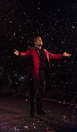 Rick Wilcox Magic Theater: Wilcox makes it snow in August