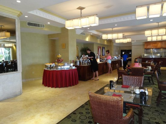 desayuno buffet picture of four points by sheraton miami beach rh tripadvisor com