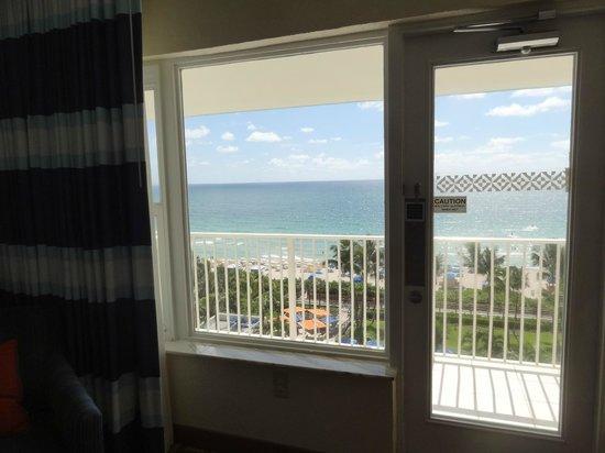 Four Points by Sheraton Miami Beach: Vista desde la habitación