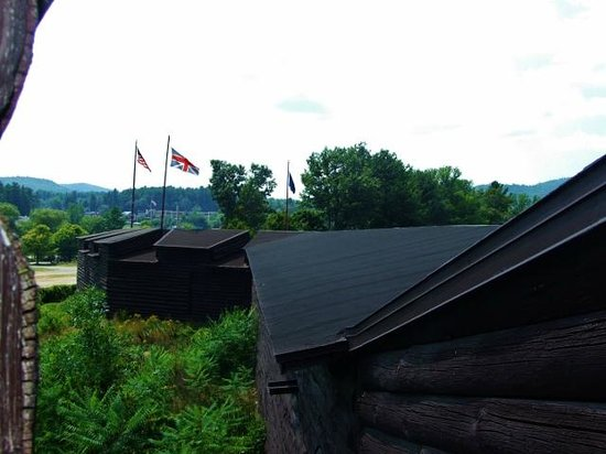 Fort William Henry : Thick walls make you wonder how the French defeated the fort