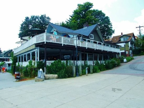Shepards Cove Restaurant: Nice shaded and breezy porch