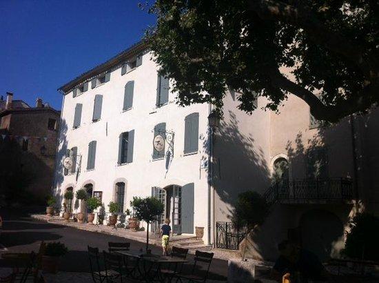 Hotel Restaurant des Deux Rocs : Hotel exterior