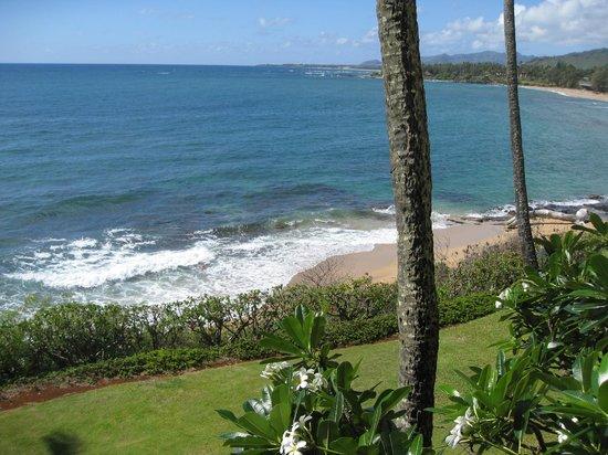 Wailua Bay View Condominiums: view from the lanai :o)