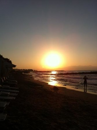 Agia Marina Beach: agia marina/plantains beach