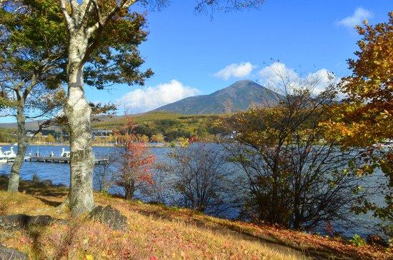 Lake Shirakaba-ko: 2012.10.20 白樺湖畔