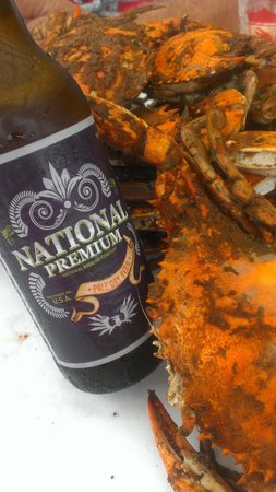 The Crab Claw: Crabs & a icy cold Natty Boh. When in Rome!